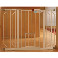 "Carlson Extra Wide Walk-Thru Gate with Pet Door (32"" high x 29""-52"" wide)"