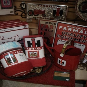 Red Tractor Lovers....Farmall