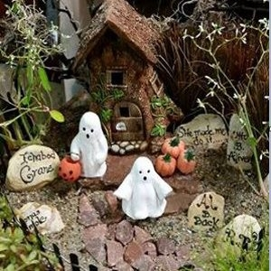 Fall Accents-Miniatures for your Fairy Garden