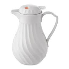Insulated beverage pitcher