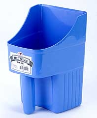Enclosed Feed Scoop Berry Blue 3qt