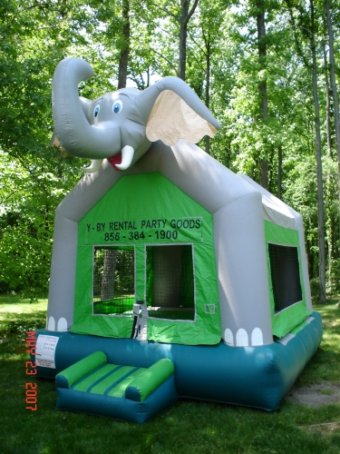 Elephant Jump (Moon Bounce)