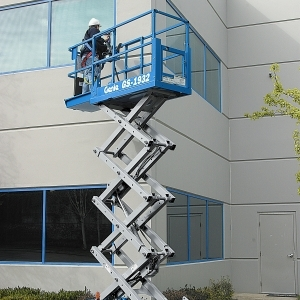 19 ft Self-Propelled Electric Scissor Lift