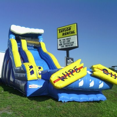 HEC Worldwide 19' Wipe Out Water Slide