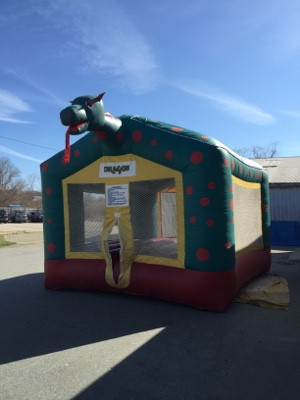 15 x 15 Green Dragon Bounce House