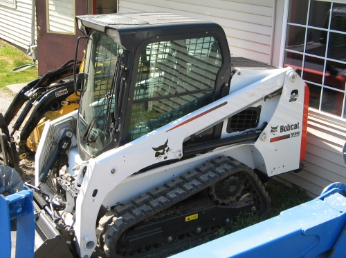 Bobcat T450 Skid Steer