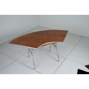 Serpentine Table, 4'