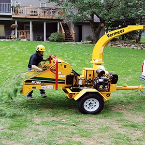 "Vermeer® 6"" x 8"" Intake 25 HP Brush Chipper"