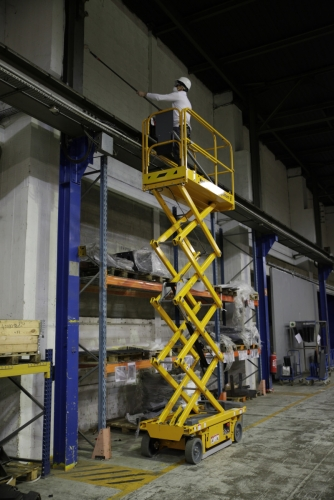 19' Self Propelled Scissor Lift (2 Avaliable)