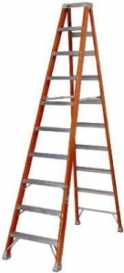 Louisville 12' Foot Step Ladder