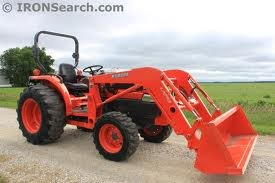 Kubota 4x4 Tractor with Front Loader