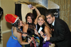 Photo Booth, Group