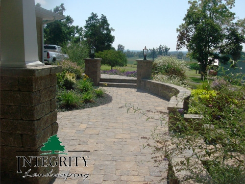 Paver Pathway with Retaining Wall