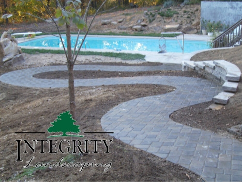Winding Paver Path with ADA Compliant Grade