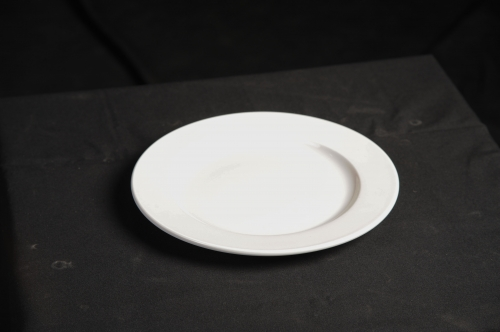 Plate, 10.5 Classical